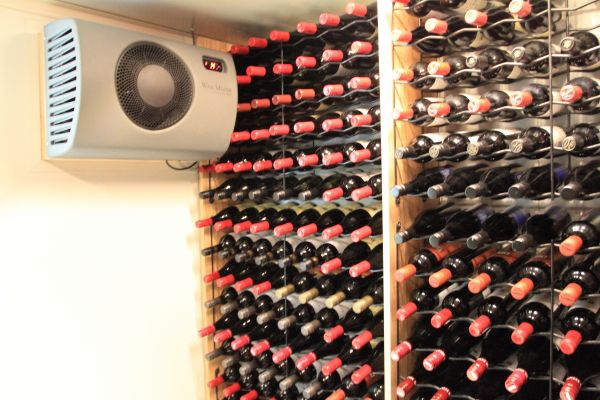Weinklimagerät bis 25m³ – WineMaster C25-Serie Einbaulösung