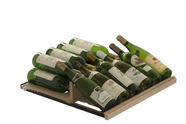 Ausziehbares Gleitregal zur Präsentation für die Weinlager- und Klimalösung Cavispace